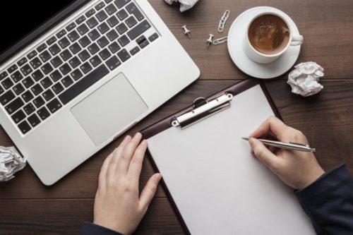 Memilih judul yang menarik - 6 cara membuat copywriting yang sederhana tapi menjual .image: fiverr.com