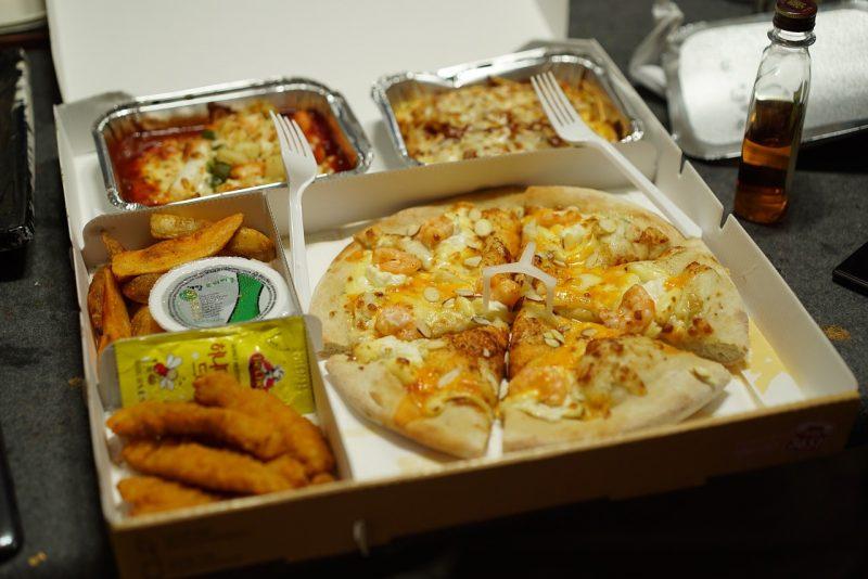 kotak pizza