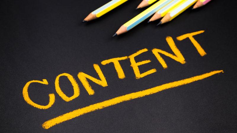 tulisan content berwarna kuning dengan latar hitam