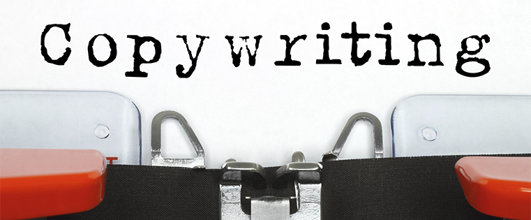 gambar mesin ketik yang menuliskan kata copywriting